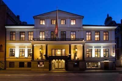 The-Mayfair-hotel